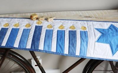 FREE Hanukkah Table Runner Pattern