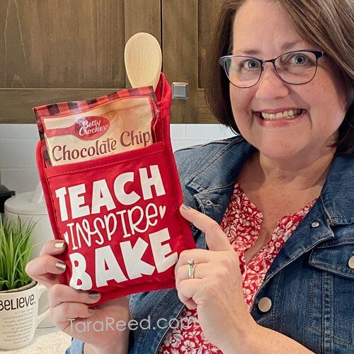 How to Make a Teacher Thank You Oven Mitt with your Cutting Machine